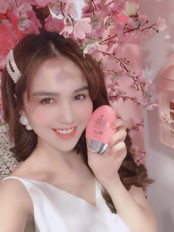 Ngọc Trinh Review sữa chống nắng Pure